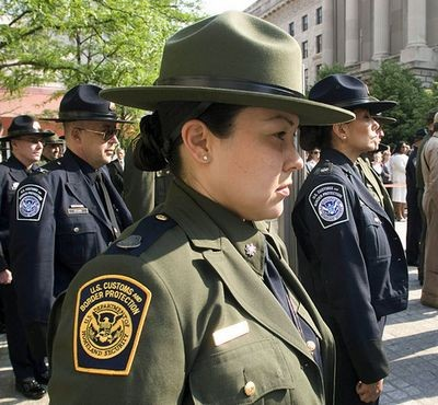 2444622_us-customs-and-border-protection-officers.jpg